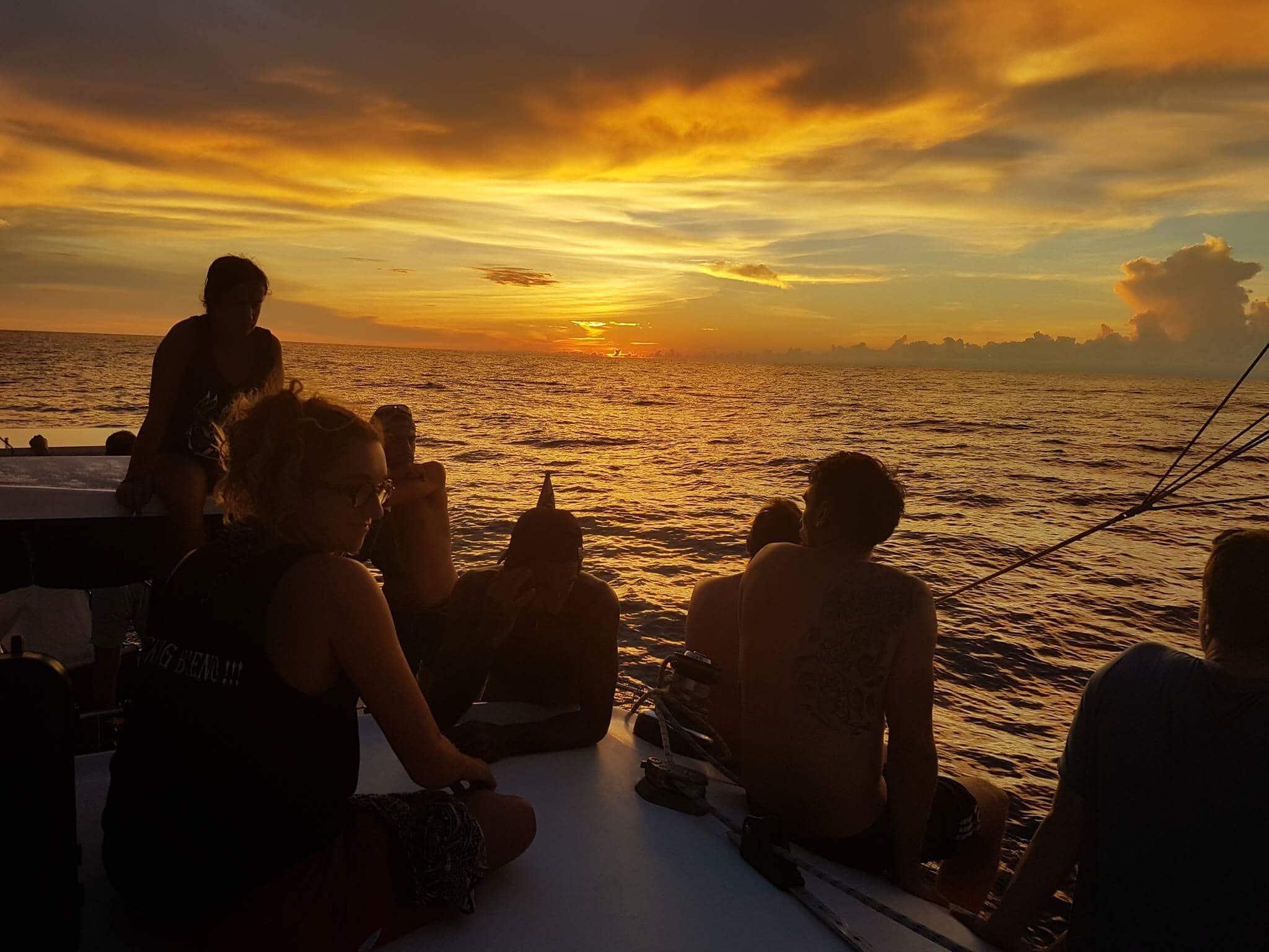 Sunset catamaran San blas